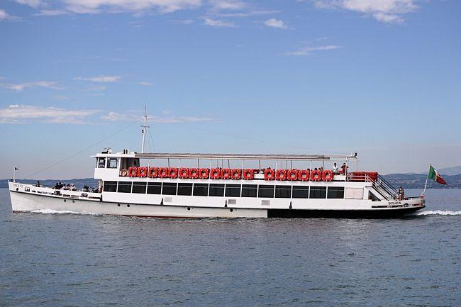 Battello per la navigazione sul Lago di Garda