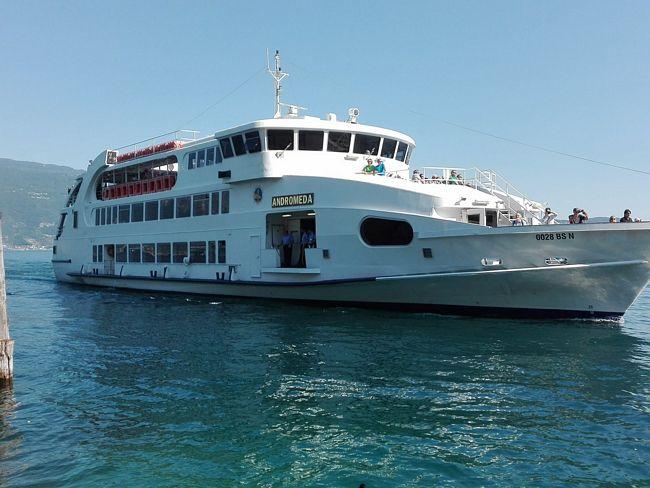 Motonave Andromeda sul Lago di Garda